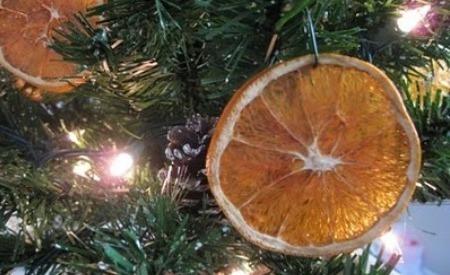 Adornos originales para el árbol de navidad en Recicla Inventa