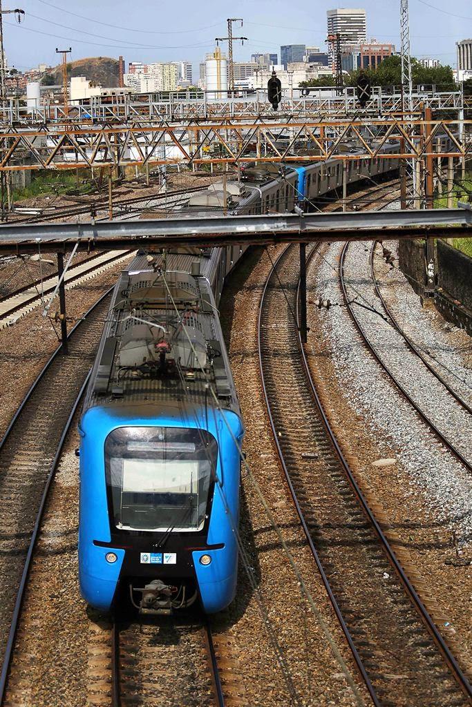 Mais dois trens chineses entram em circulação nos ramais da SuperVia