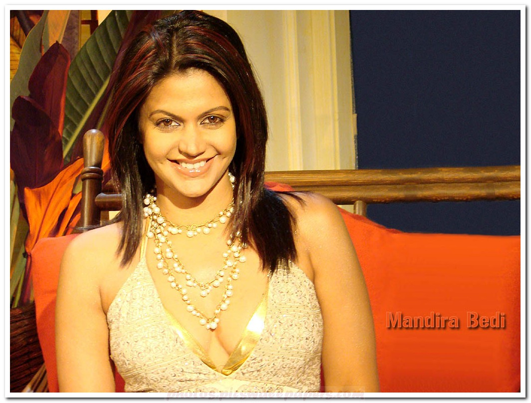 http://1.bp.blogspot.com/-dZ7UT-9wShI/Th2UQ7yvzLI/AAAAAAAAAmo/eUSwLIh89HE/s1600/Mandira-Bedi-100.jpg
