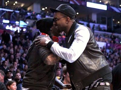 Imagen de Lil Wayne y Kanye West en el partido de las estrellas de la NBA 2011