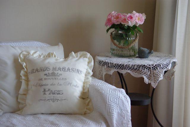 poduszki w stylu francuskim, poduszka shabby, poduszki z grafiką, podyszki w stylu shabby