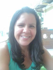 Marcelle Rebelo - professora de inglês, tradutora, professora de português para estrangeiros.