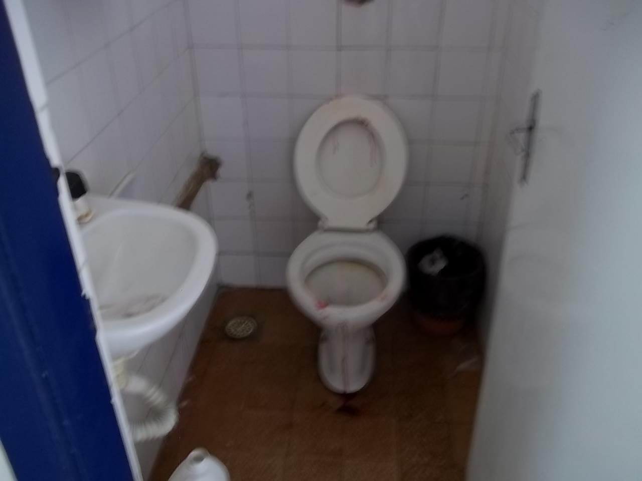 GALERIA DE FOTOS DO PESQUEIRA EM FOCO: FOTOS TIRADAS NO INTERIOR DO  #333D5B 1280x960 Atenção Banheiro Interditado