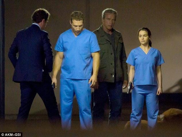 Arnold Schwarzenegger, Jai Courtney y Emilia Clarke en Terminator: Genesis