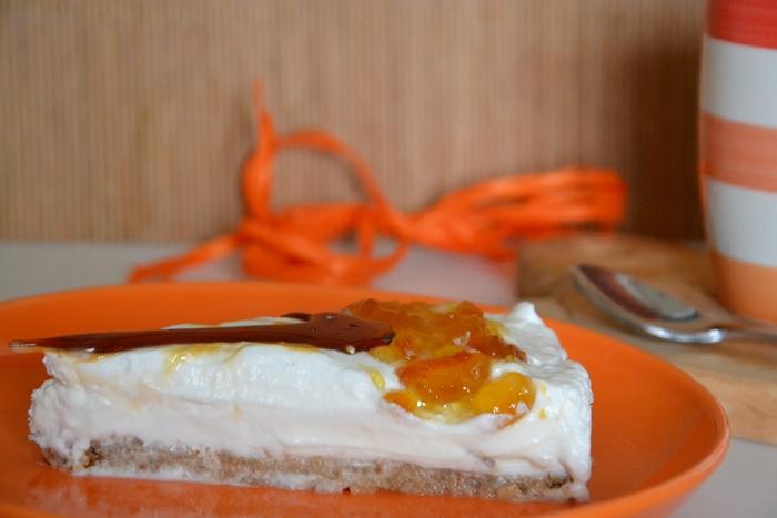 torta allo yogurt con marmellata di arance e caramello croccante