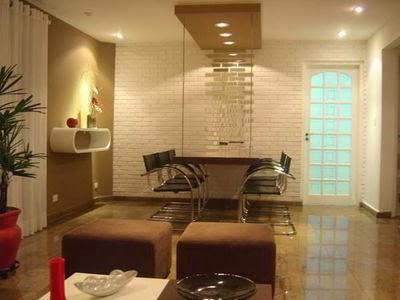 Muebles y colores en un ambiente formal