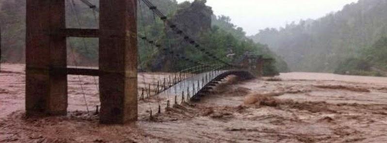 Puente arrasado por inundaciones Pakistán e India, 9 de Septiembre 2014