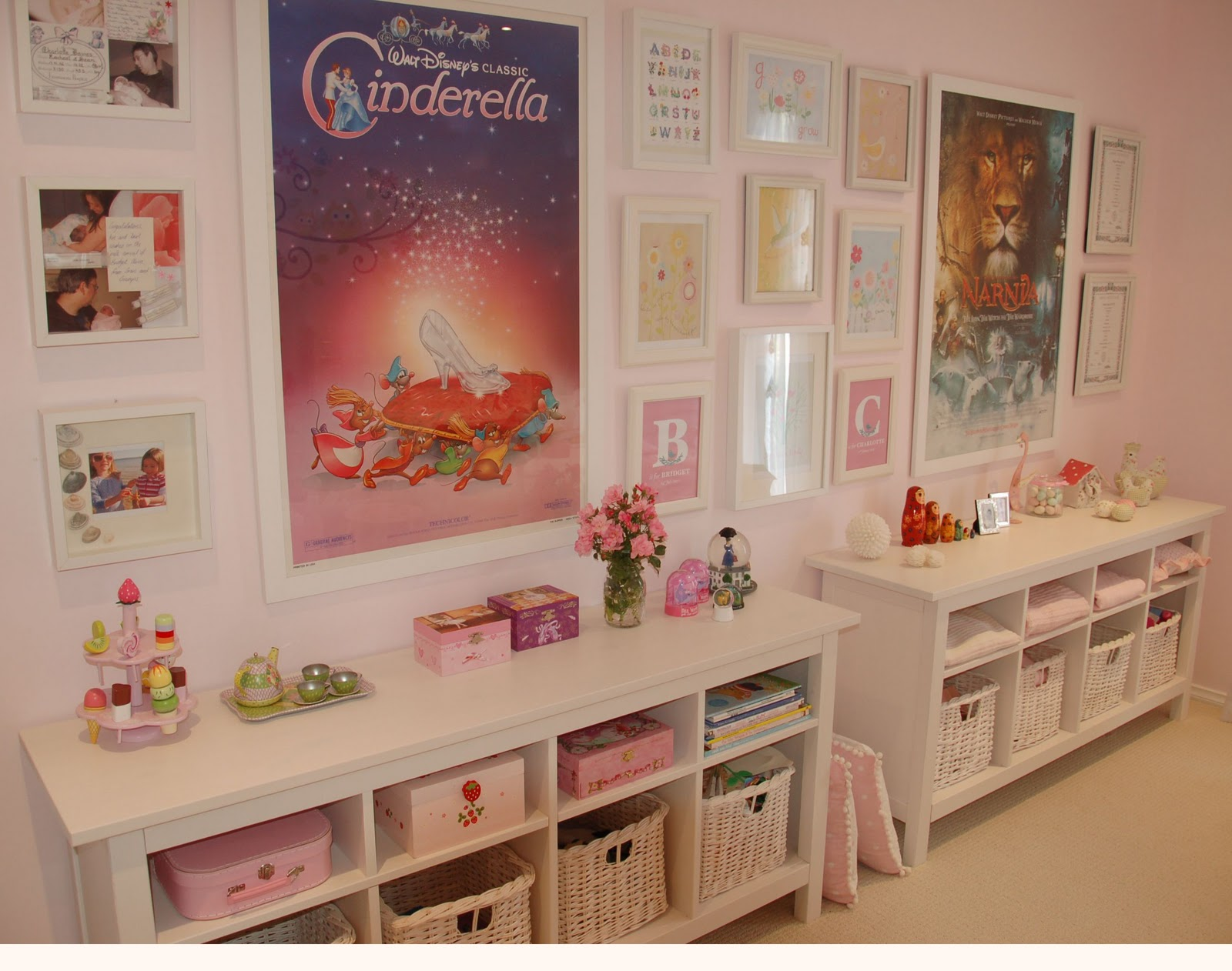 Lexi 39 s room ideas on pinterest cinderella cinderella for Little girls bedroom ideas for small rooms