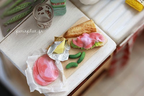 07-Stéphanie-Kilgast-Incredible-Miniature-Foods-Savoury-Sweet-Dishes-Dolls-House-www-designstack-co