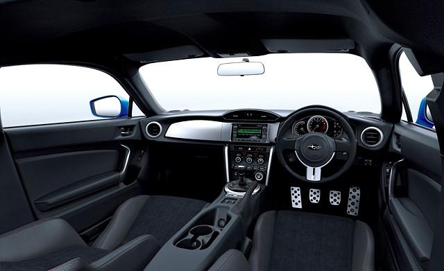 Subaru BRZ, japoński sportowy samochód, boxer, RWD, wnętrze