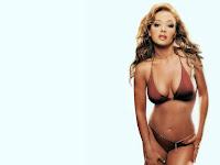 Remini Bikini Leah