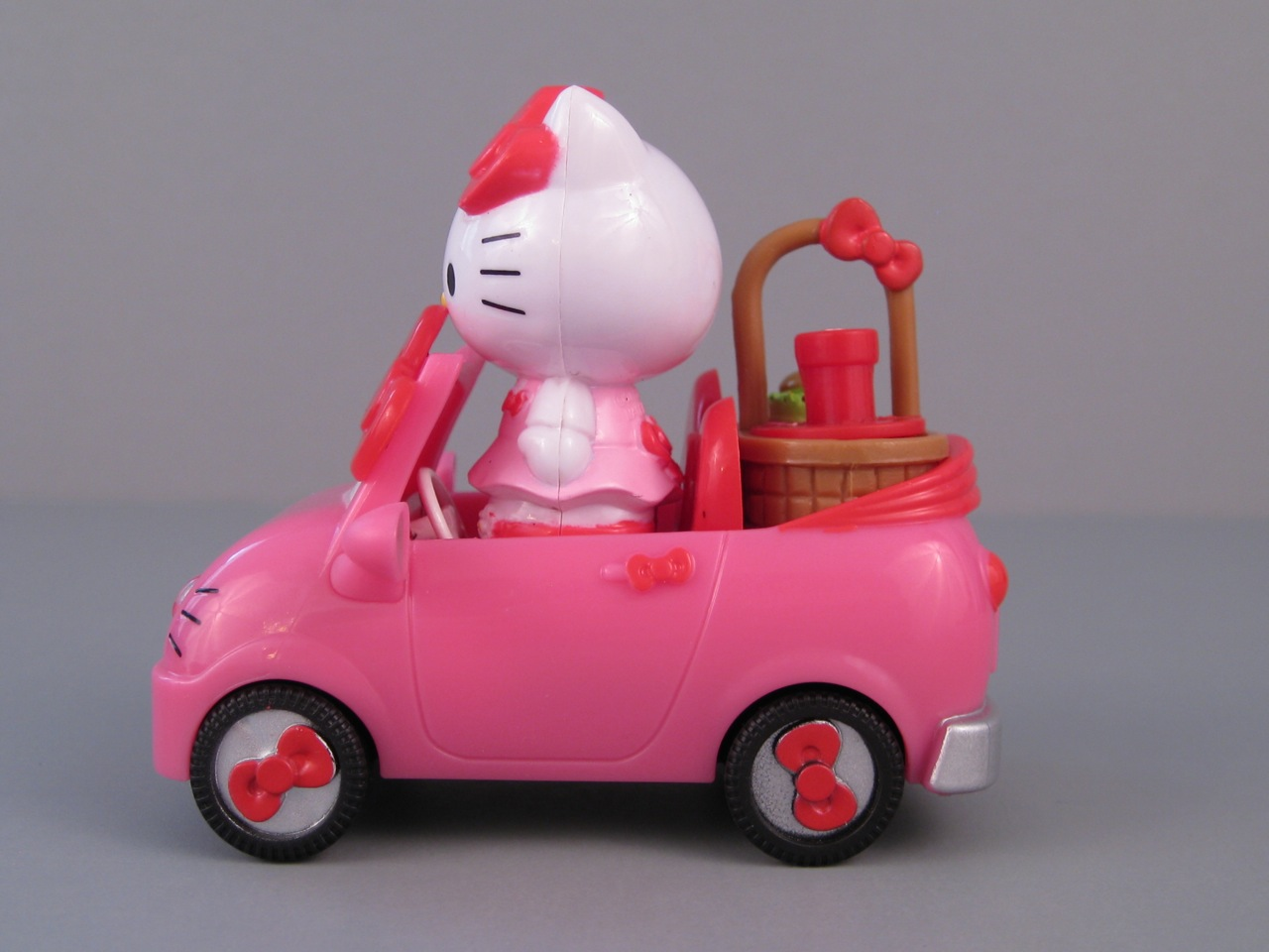 Hello Kitty Scooter Toys R Us : Furniture batman chairs hello kitty car toys r us