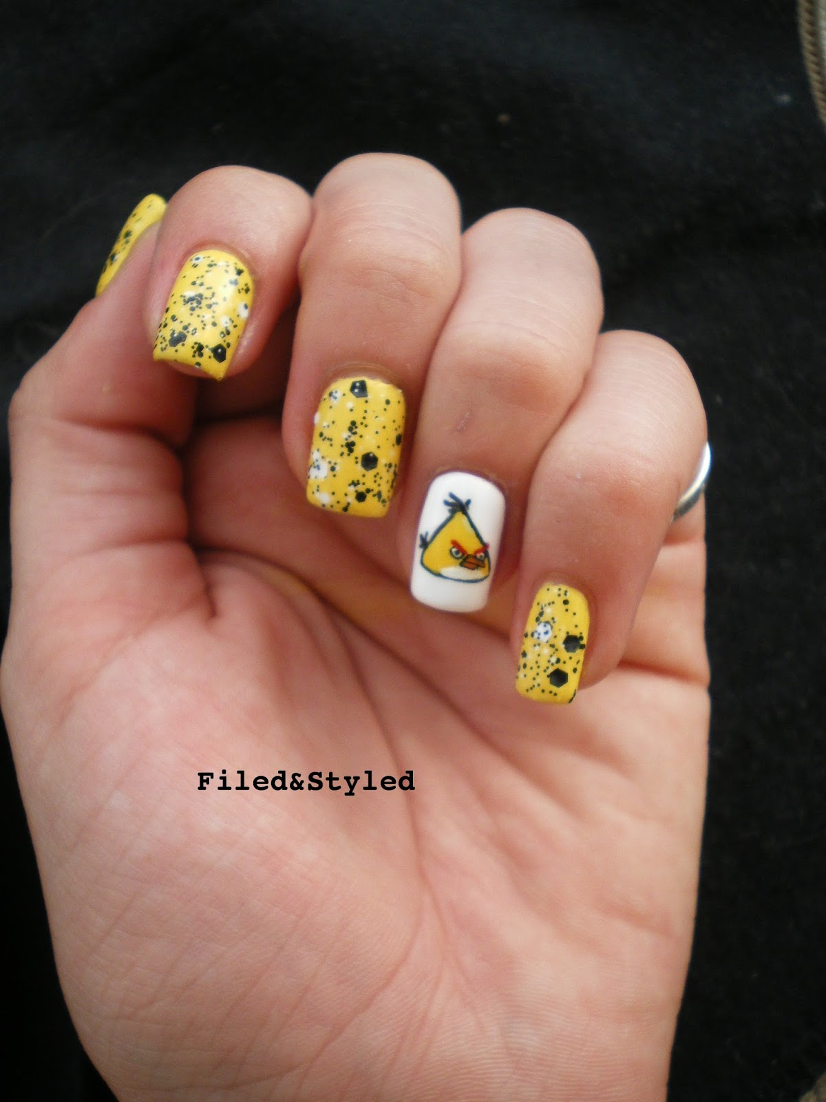 31dc2013 Yellow Nails | Filed & Styled Filed & Styled: 31dc2013 ...