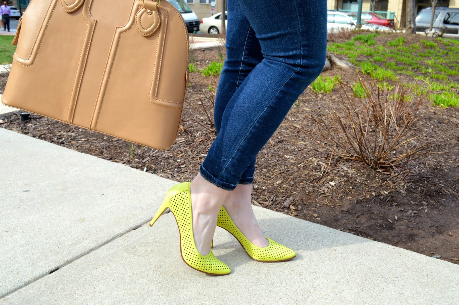 halogen-lime-green-pumps