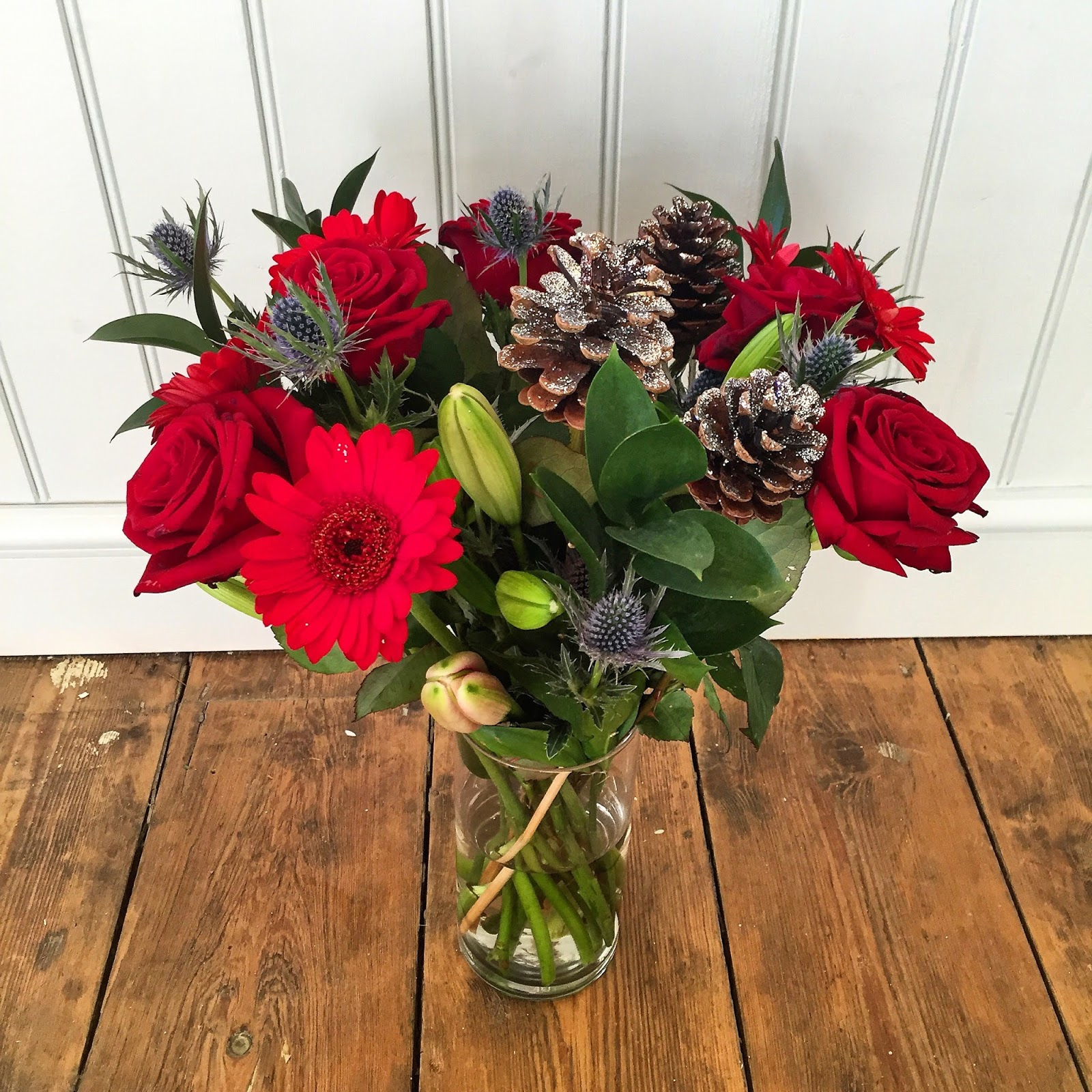 Kezzabeth uk home renovation interiors and diy blog these are from prestige flowers platinum range of christmas bouquets they are simply b e a u tiful who wouldnt want to receive these izmirmasajfo