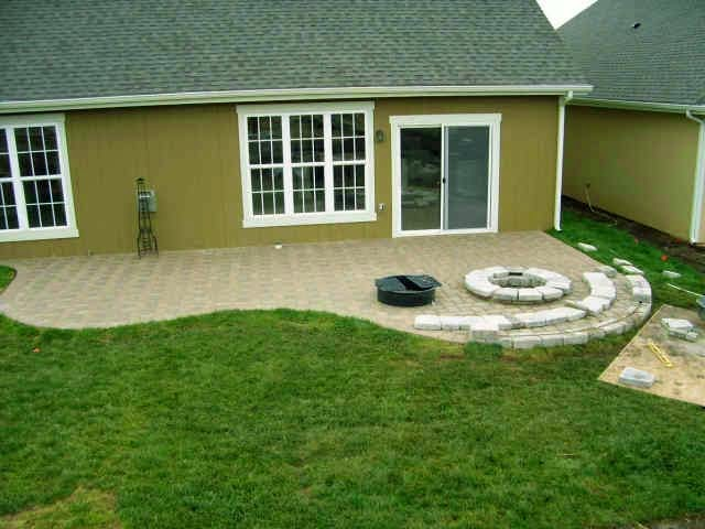 paver patio ideas to cover the outdoor patio