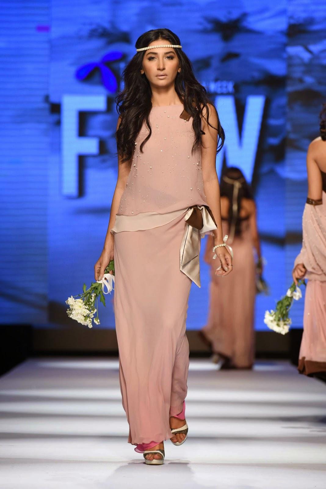 hira tareen Sadaf Malaterre Telenor Fashion Pakistan Week Day 1