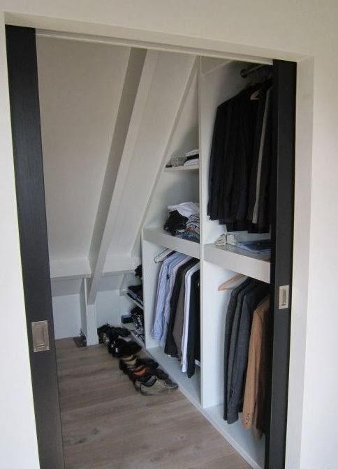 Binnenkant onder het schuine dak - Lay outs slaapkamer onder het dak ...