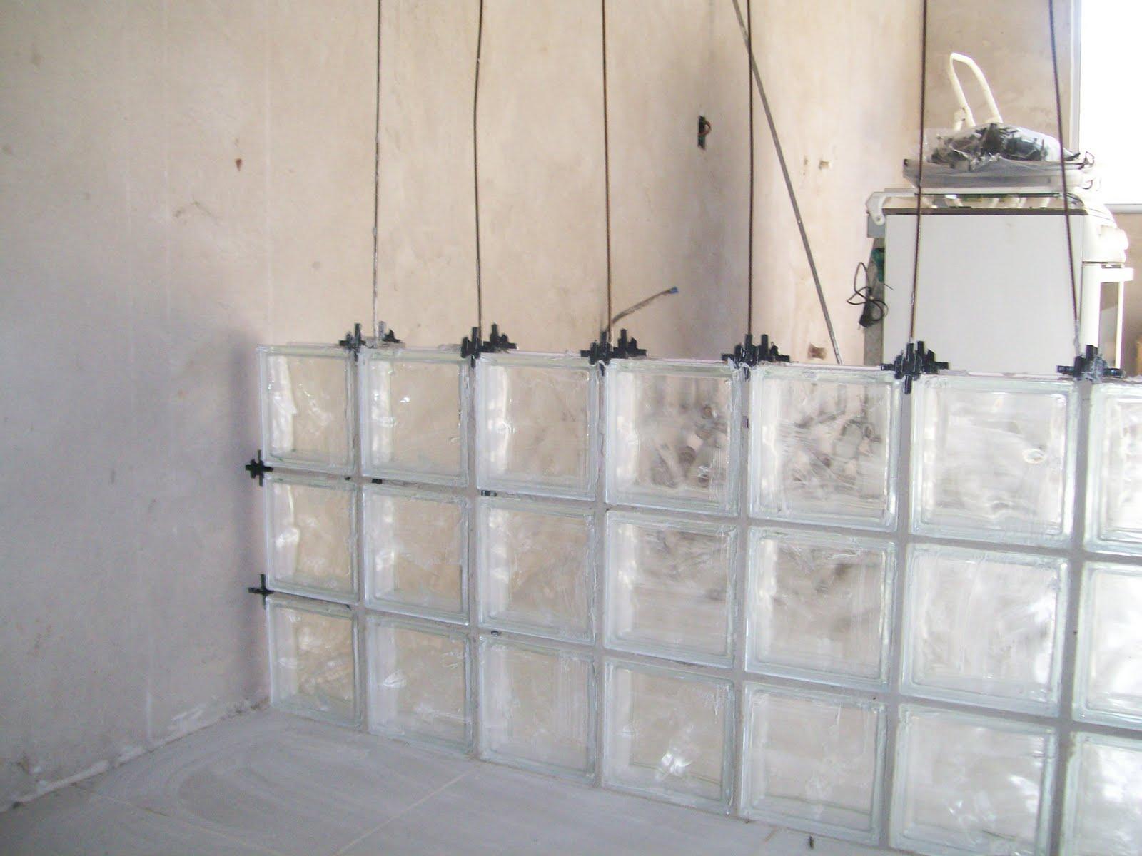 Slivak: PASSO A PASSO DA CONSTRUÇÃO DE UMA PAREDE DE BLOCOS DE VIDRO #766655 1600x1200 Banheiro Bloco De Vidro