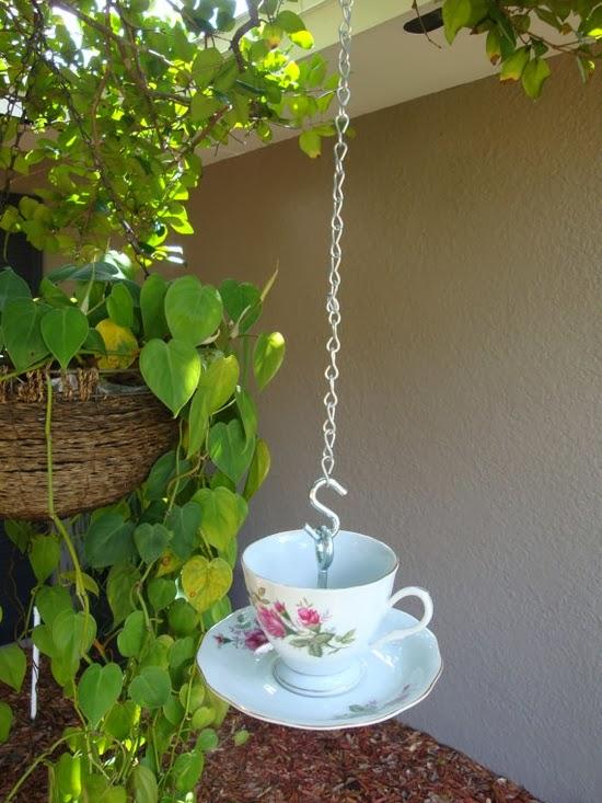 jardins ideias criativas: – Reciclados: Ideias Criativas para Embelezar Jardins e Varandas