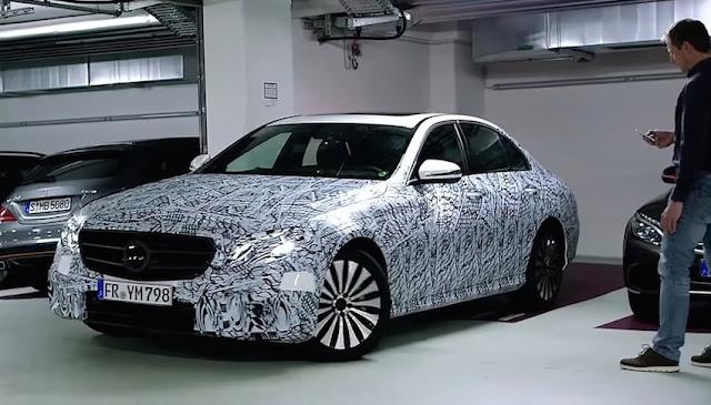これからはスマホで駐車出来る時代に?メルセデスベンツがリモート駐車技術を公開!
