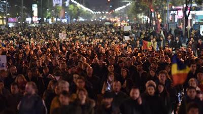 Bukarest, bukaresti tűzvész, Club Colectiv, Gabriel Oprea, Románia, tüntetés, Victor Ponta,