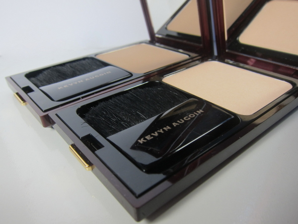 Kevyn Aucoin Sculpting Powder and Kevyn Aucoin Celestial Powder