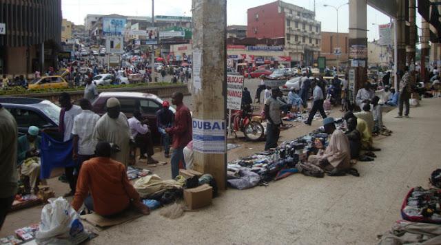 Yaoundé - Avenue Kennedy : Pris dans l''assaut des urines