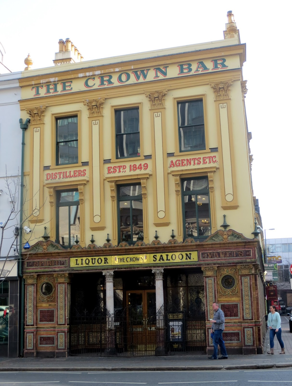 Crown pub, Belfast, Ireland, Northern Ireland, Murals, Troubles, Ulster, Political, Titanic,