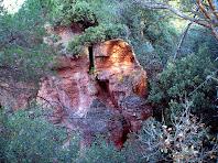 Els gresos vermells de les Roques d'en Mateuet