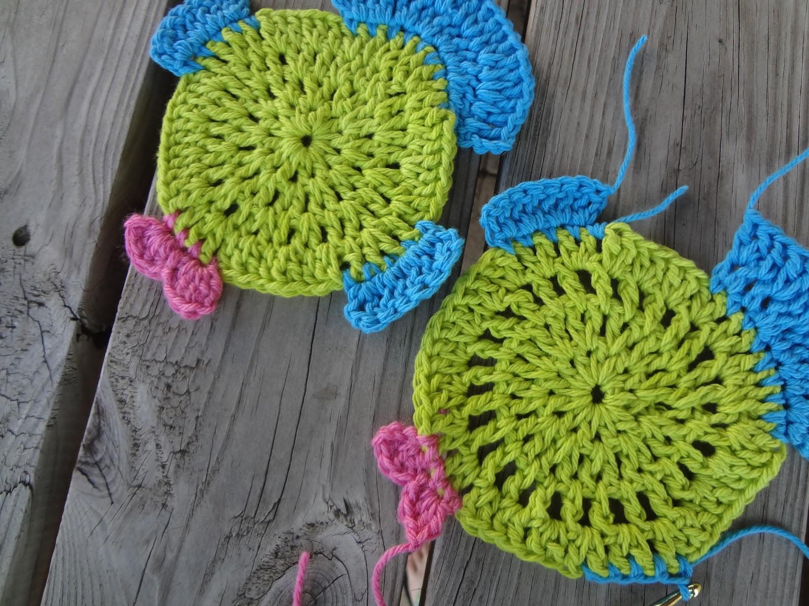 Free Crochet Pattern For Fish : Fiber Flux: Free Crochet Pattern...Fabulous Fish Dishcloth!