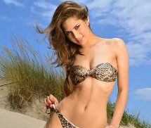 Tamára Dias Miss Fanática Record Agosto 2013