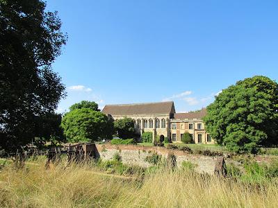 Eltham Palace, English Heritage, gardens, meadows, visit, England