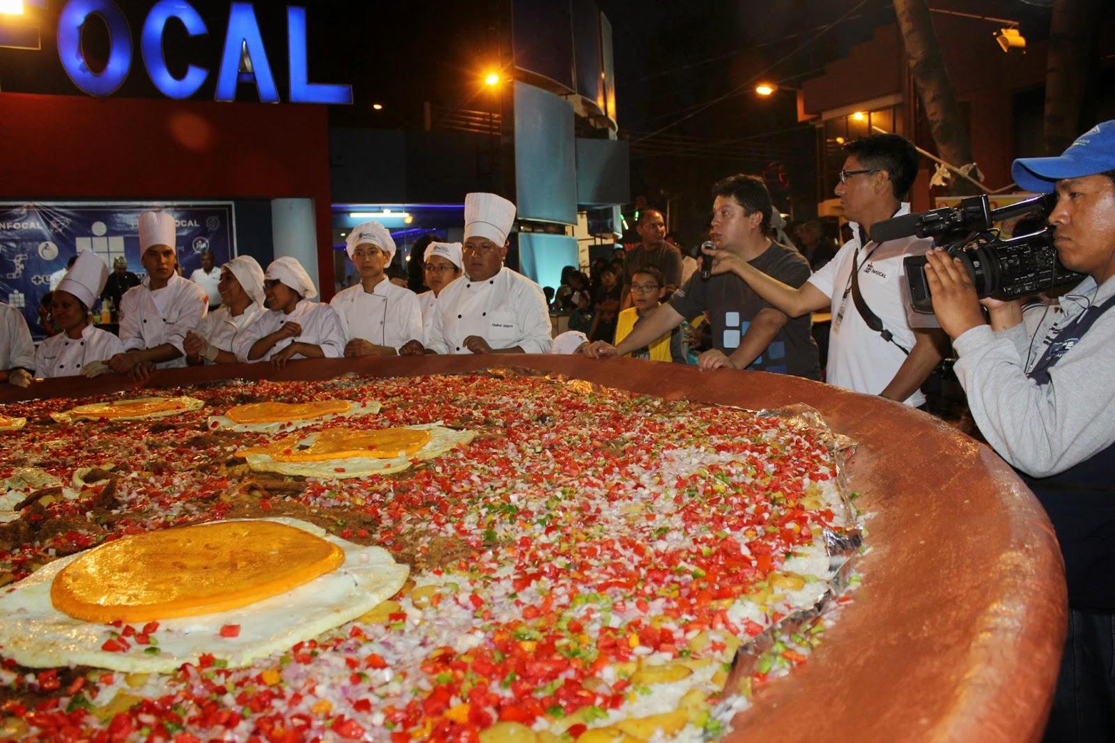 Cochabamba rompiendo records mundiales cochabomba for Mundo pizza la algaba