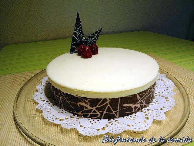 Tarta de Chocolate Blanco con Frambuesas