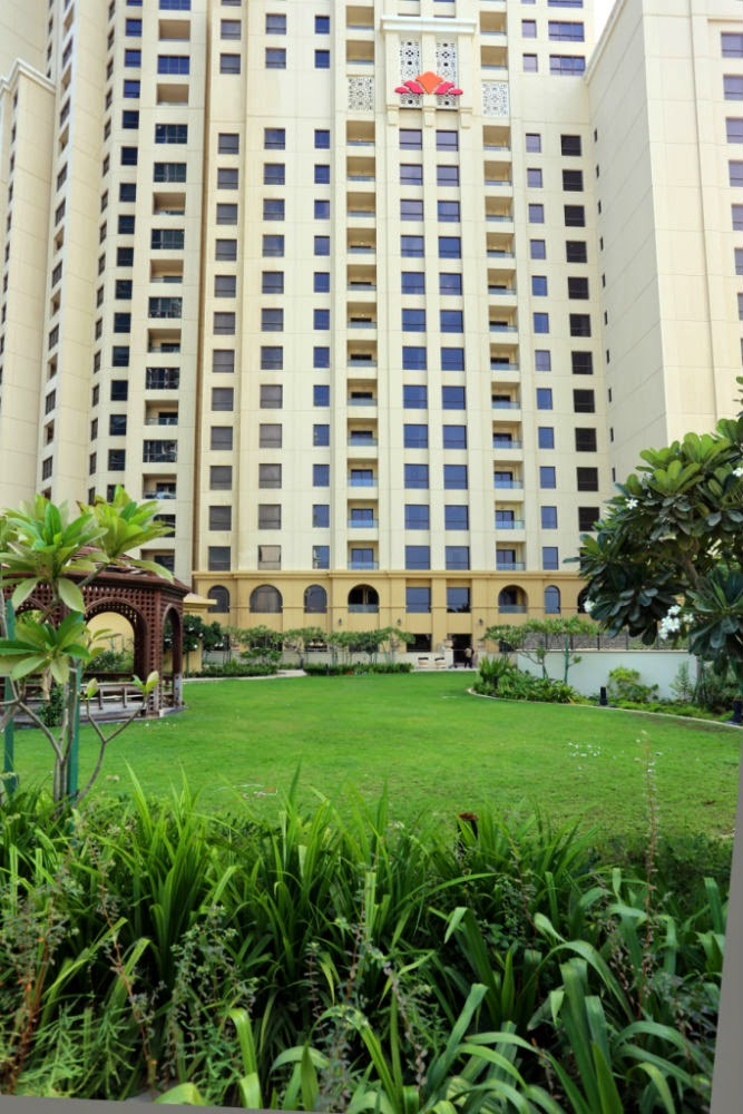 Hawthorn Suites by Wyndham Dubai, JBR offers 188 rooms and suites with beautiful views of the Arabian Gulf