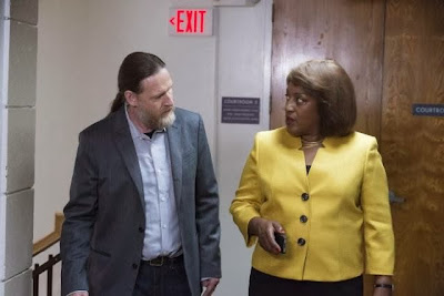 CCH Pounder and Donal Logue in Sons of Anarchy