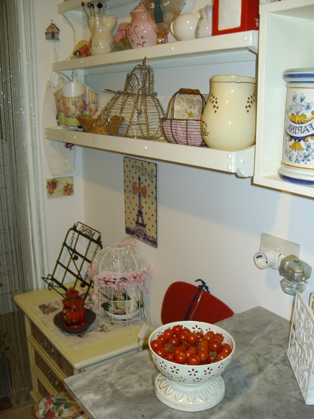Re chic le vintage and shabby chic vignettes - Ikea bilancia cucina ...