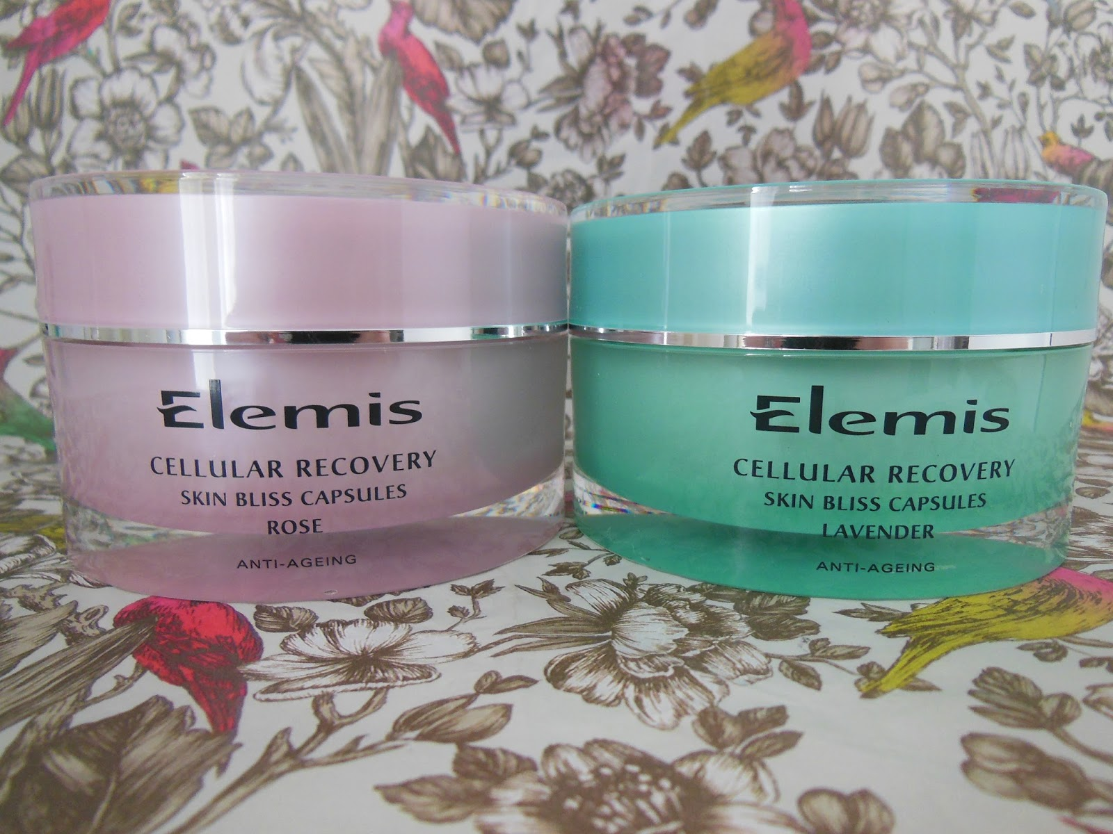 Elemis Cellular Recovery skin bliss capsule set