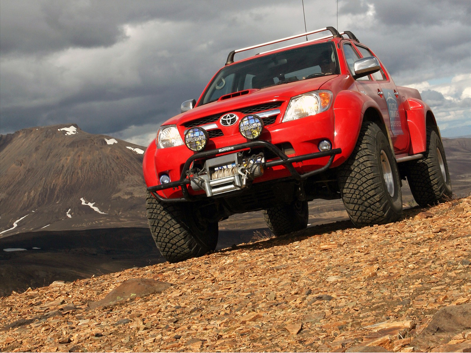 Car Pictures Toyota Hilux 2010