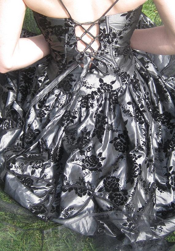 gothic wedding dresses 2011