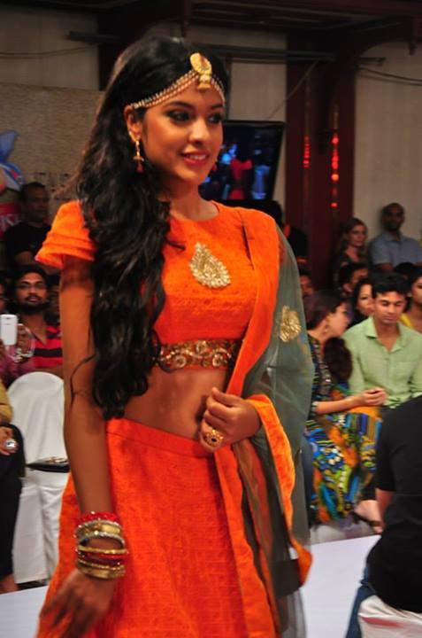 archana kavi latest navel show photos from kochi