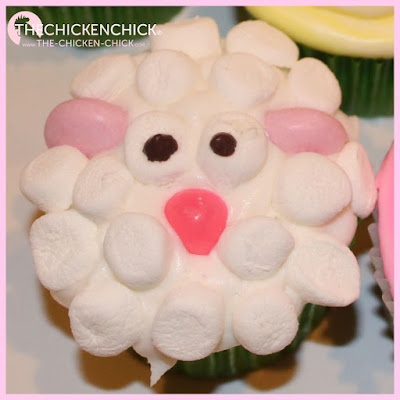 Farm animal cupcakes, lamb