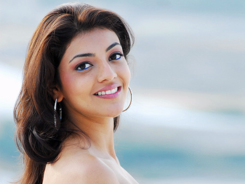 Kajal agarwal Wallpaper 10 With 1024 x 768 Resolution ( 189kB )