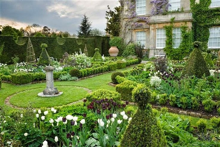 A library of design wild about gardens for Garden design gloucestershire