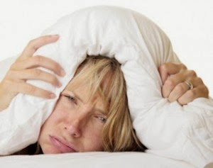Ketahui Penyebab Susah Tidur Nyenyak dan Cara Mengatasinya
