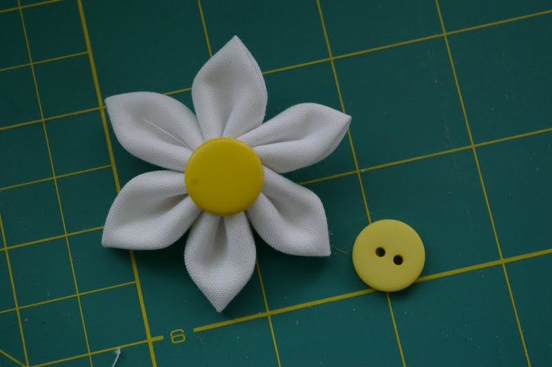 Как сшить цветочек из 366