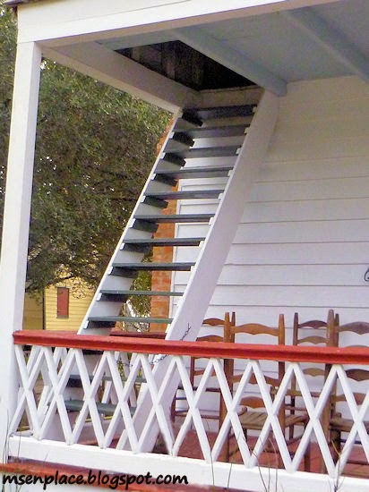 garconniere staircase