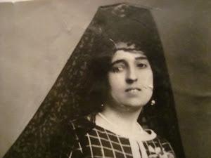 mi querida madre, años 30