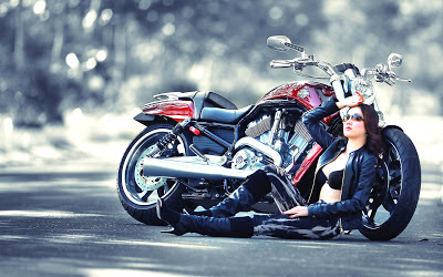 2013_Hot_asian_bike_model_HD_wallpaper